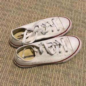 Slightly worn, converse all star sneaker size 3
